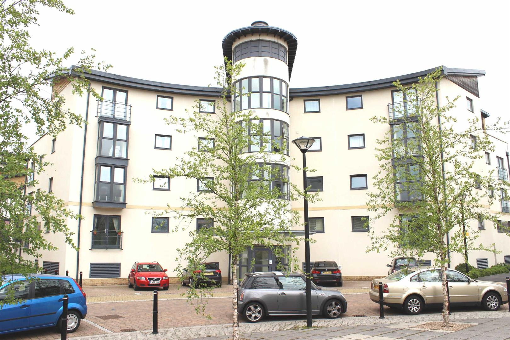 2 Bedrooms Apartment Flat for sale in Ivy Court, Pasteur Drive, Old Town